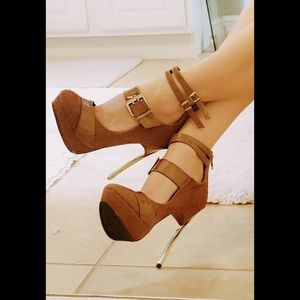 Very RARE Liliana Suede Platform Stilettos